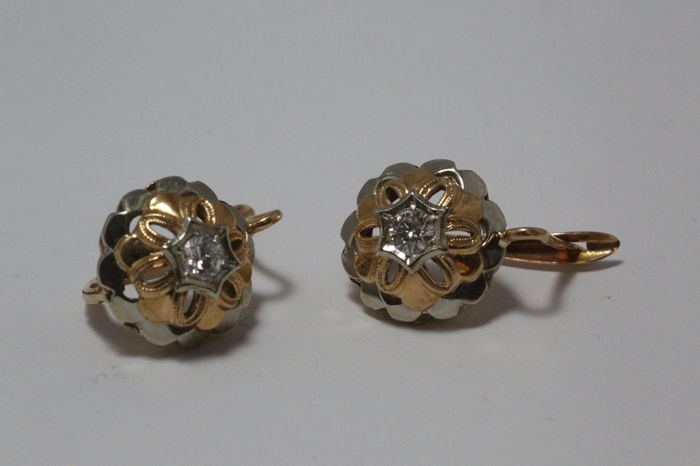 Earrings, rose/white gold (18 kt), with diamonds (totalling 0.40 ct)