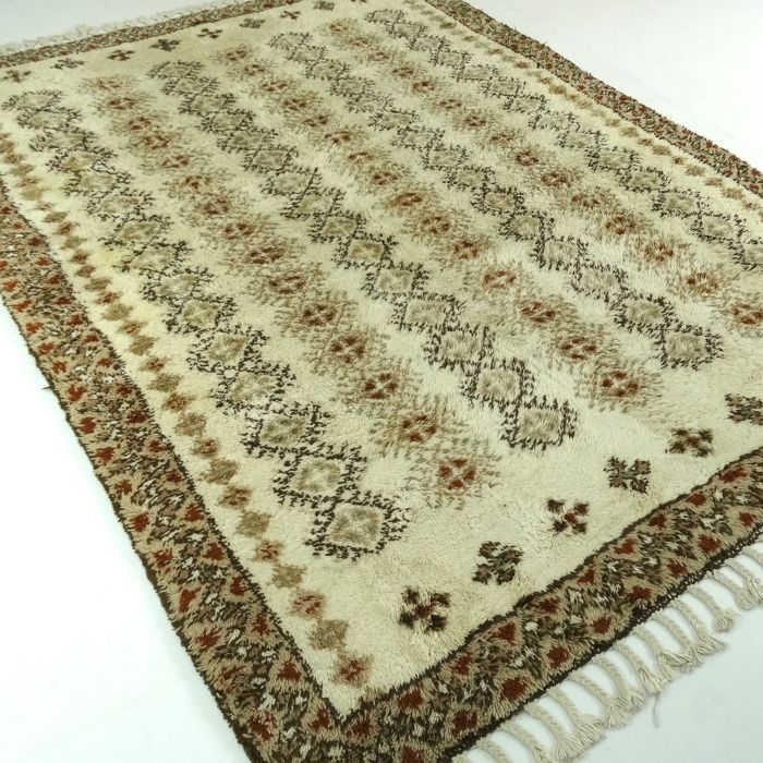 Berber - Morocco - 244 x 172 cm - modern, oriental carpet in light colours - second half last century
