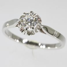 Solitair white gold engagement ring in Art Deco style from the fifties - anno 1950