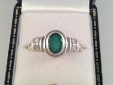 Vintage ring with natural emerald and diamond, ring size 18.5/59