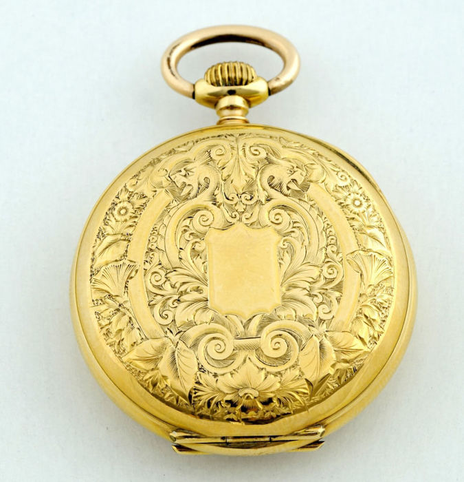 Hanging Swiss watch in 18 kt gold for women, Lepine and Remontoir. Circa 1880
