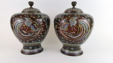 Magnificent Large Pair of cloisonné Jars and covers ( 30 cm) - Japan - 19th century (Meiji period)