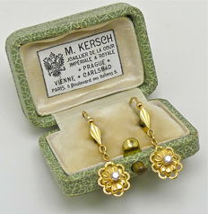 "1900S ""daisy"" dormeuses earrings 18kt gold & white Saphires - No reserve"
