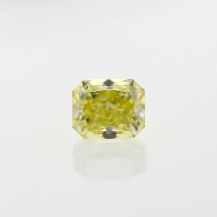 Natural Fancy Light Yellow 1.02 ct Cushion VVS1 Diamond, GIA Certified
