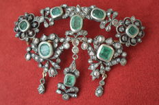 Devant de Corsage brooch, gold with emeralds and diamonds