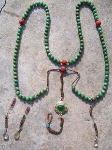 Huge Chinese Court necklace - 108 serpentine stone pearls - 2nd half 20th century