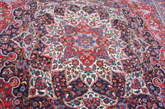 Antique handmade Persian Bakhtiari wool large carpet size 480cm x 330cm (15.7'x10.8')