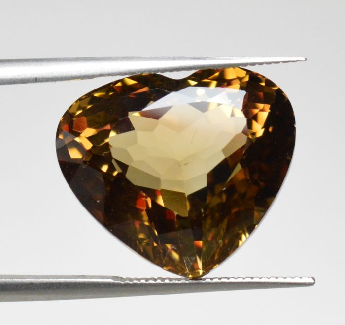 Champagne topaz – 14.57 ct – No Reserve Price