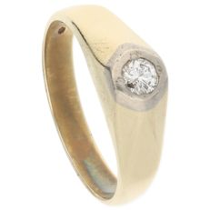 14 kt Yellow gold ring set with diamond of 0.25 ct in white gold setting – Ring size: 20 mm