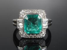 High-quality TW, VVS 0.44 carat brilliant 2.23 carat emerald ring platinum 950 ring *no reserve price*