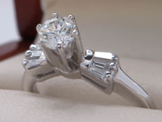Certified gold ring with diamonds - 0.59 ct of which 0.38 ct centre  stone / VS1-SI2/15.83mm ** No Reserve **