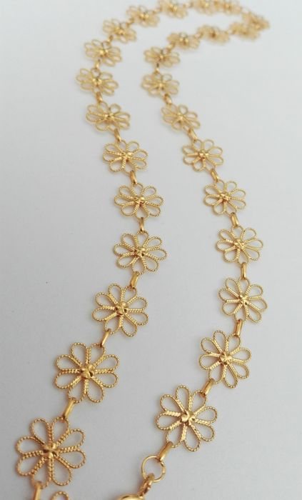 19.2kt gold necklace – Hand-tooled filigree – Weight of 15g