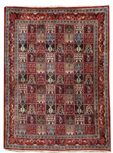 Beautiful Persian  Moud  c. 1980s c. 230x164 cm or 7.6 by 5.4 feet