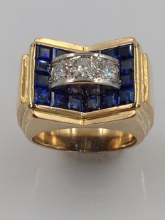 Solid 18 kt yellow gold ring with 'Tria' diamonds and sapphires - 1.27 ct in total