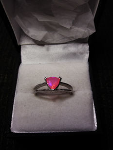 Natural Brilliant Ethiopian 0.44ct Neon Pink Opal. Radiant!