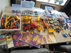 Assorted - 7.2 kilos of Lego with manuals Technic sorted.