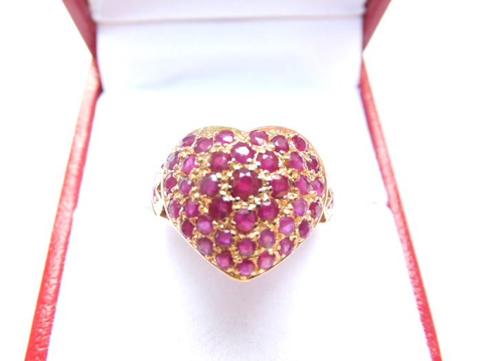 Heart Shaped Kt Yellow Gold Ring