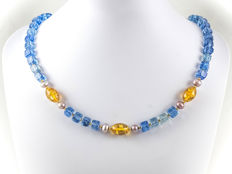 Kyanite quartz necklace with amber and Lavender pearls, 18 kt yellow gold clasp, 46.5 cm long
