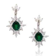 Venus Emerald and Diamond Drop Earrings 18kt- Emerald 3.16 ct pear cut green colour - Diamond 2.73ct marquise H/VS-length 3.5 cm