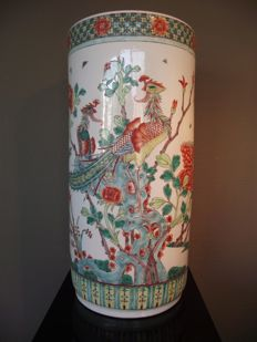 Large finely decorated cylinder vase – China – late 20th century
