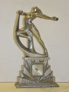 Zamak Art Deco sculpture, with clock by the Wagog brand