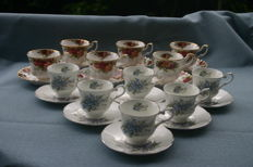 Royal Albert cups and saucers (12 x)