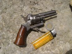 Tiny little pocket pinfire revolver from the end of the 19th in 7mm calibre