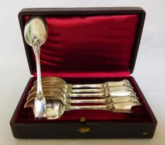 Puiforcat : 6 sterling silver coffee spoons, Louis XV style, France, late 19th century