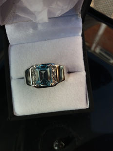 A Fabulous Genuine Brazilian Sky Blue Topaz Mens Sterling Silver Ring