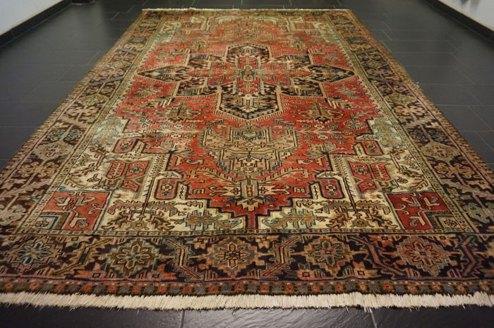 Rare beautiful hand-knotted Persian carpet Heris Heriz natural colours, 246 x 360 cm