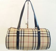 Burberry - Barrel bag