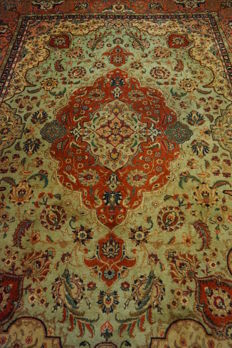 *Semi-antique * Persian carpet *made in Iran *Art Nouveau carpet *Tabriz Province *242 x 340 cm *clean *very good condition