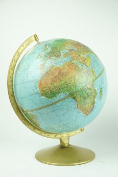 Scan globe paper with relief - 30 cm