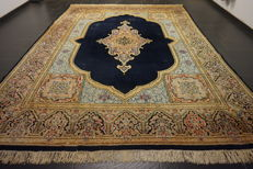 Beautiful semi antique handwoven Persian Oriental carpet Kirman patina 280 x 369 cm made in Iran