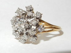 "18 kt Bicolour ring with diamonds.   0.21 ct, size 16 mm ""No reserve price"""