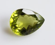 Peridot - Yellowish Green - 3.86 ct