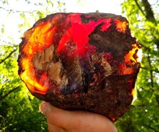 Large Red/Blue Amber from Sumatra - 200 x 190 x 100 mm -  1.4 kg