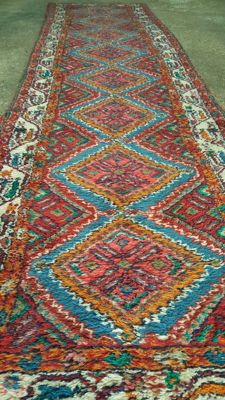 Beautiful hand-knotted Persian Hamadan runner carpet, 295 x 79 cm