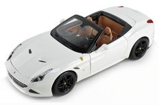 "Bburago ""Signature Series"" - scale 1/18 - Ferrari California T Open Top - white"