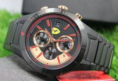 Scuderia Ferrari Mens Stainless Steel Red Rev Evo Watch - New & Perfect Condition