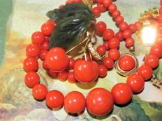 Fine coral necklace, 585 / 14 kt gold