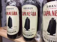 3 bottles - Sandeman Brandy Capa Negra - bottled 1960s