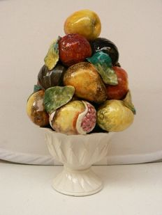 Italy - beautiful colourful fruit-tower decoration