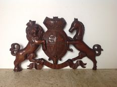 Hand-carved coat of arms in oak - the Netherlands - end of 19th century