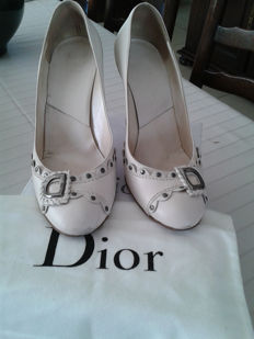 Dior – Fashion courts Ethic heel