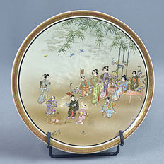 Finest quality Satsuma porcelain plate - Japan - Late 19th century