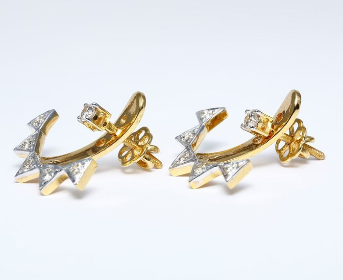 IGI Certified Designer Earrings made of 14 kt hallmarked Yellow gold and Diamonds