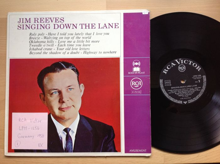 Country style with Jim Reeves...11 records...Jim Reeves also known as Gentleman Jim...Country singer songwriter...born 20 aug.1923 Galloway/ Texas. He died 31 july 1964 in Nashville in a plane crash.