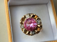 Gold ring with pink Sapphire and Topaz