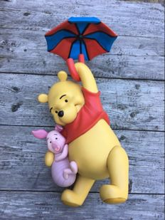 Disney, Walt - Statue - Winnie the Pooh & Piglet Flying on Umbrella (ca, 1980's/1990's)